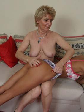 omasex porno frauen über 40 nackt